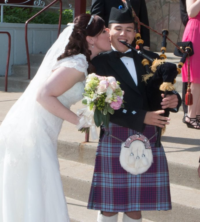 Piping at Meaghan and Michael's wedding, Chateauguay, June 2014